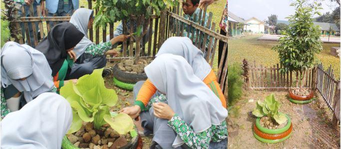 Manfaatkan Ban Bekas Sebagai Hiasan Taman